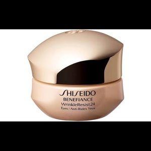 Shiseido  Benefiance WrinkleResist24 Intensive Eye